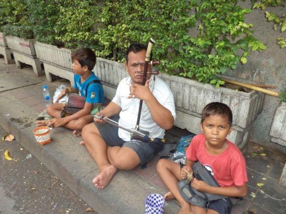 Bangkok street musicians